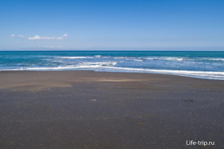 Пляж Керамас (Keramas Beach Bali) - черный бриллиант Бали