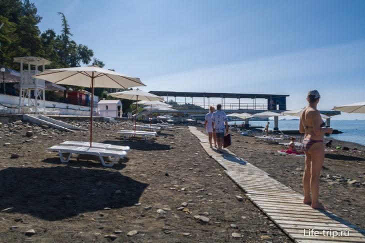 Пляж Ставрополье в Мамайке - солнце, песок и камни