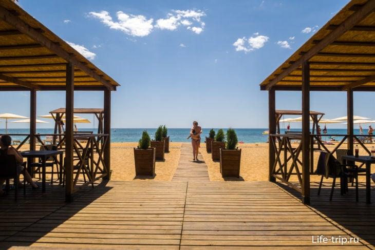 Лучший песчаный пляж Феодосии - Ривьера в Приморском